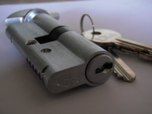 euro cylinder replacement lock